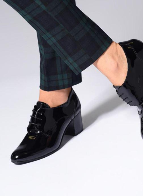 Zapatos con cordones Georgia Rose Lachica Vino vista de abajo