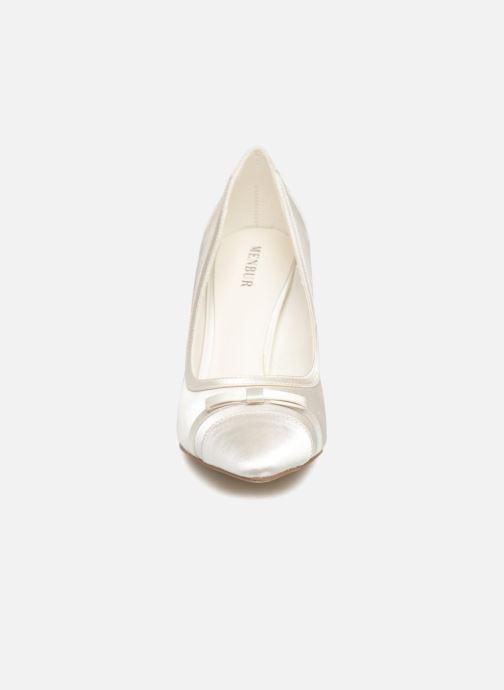 Escarpins Menbur 6799 Blanc vue portées chaussures