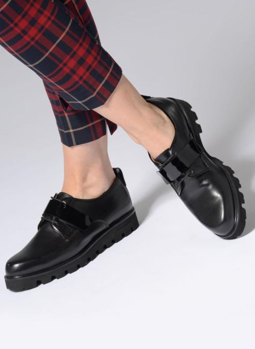 Lace-up shoes Fratelli Rossetti Combo Derby Black view from underneath / model view