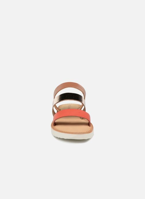 Zuecos Vero Moda Way Leather Sandal Marrón vista del modelo
