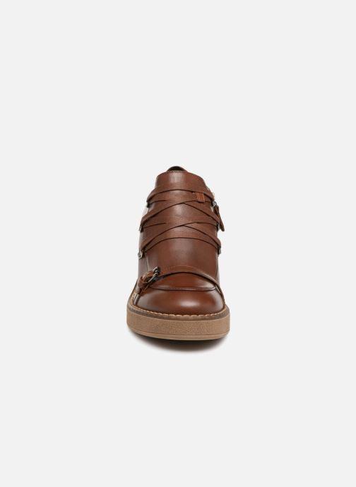 Zapatos con cordones Geox D ADRYA MID D D849UD Marrón vista del modelo