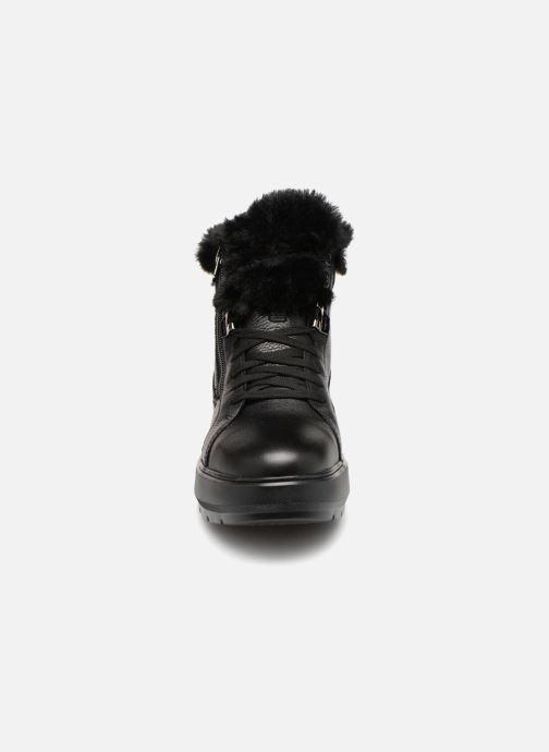 Sneaker Geox D KAULA B ABX D D84AWD schwarz schuhe getragen
