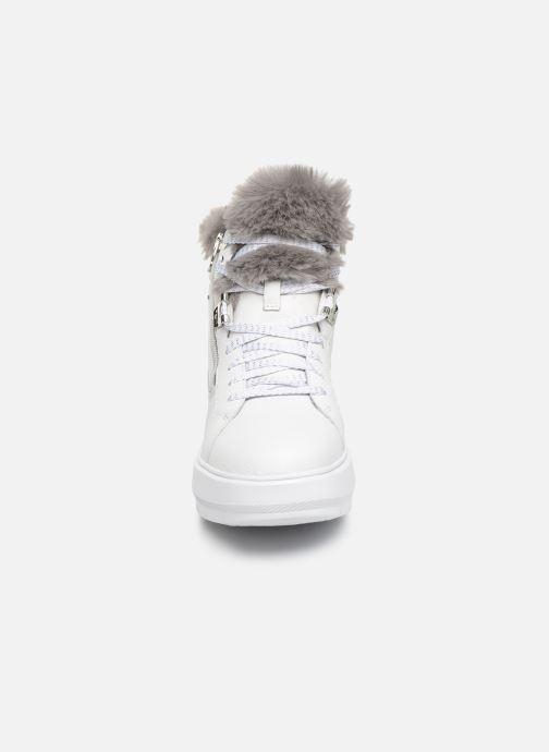 Sneaker Geox D KAULA B ABX D D84AWD weiß schuhe getragen