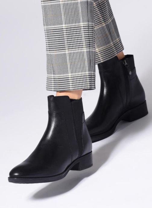 Bottines et boots Geox D FELICITY F D84GIF Noir vue bas / vue portée sac
