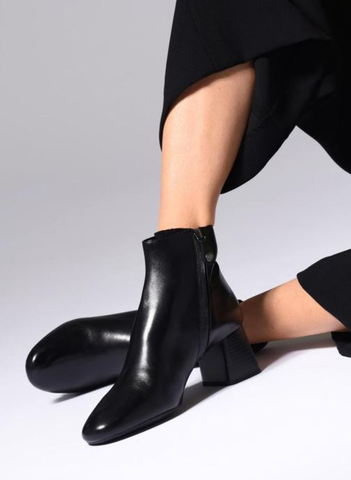 Ankle boots Geox D SEYLISE MID D D84BBD Black view from underneath / model view