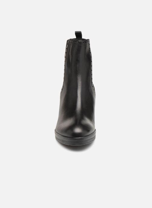 Bottines et boots Geox D REMIGIA F D84AFF Noir vue portées chaussures