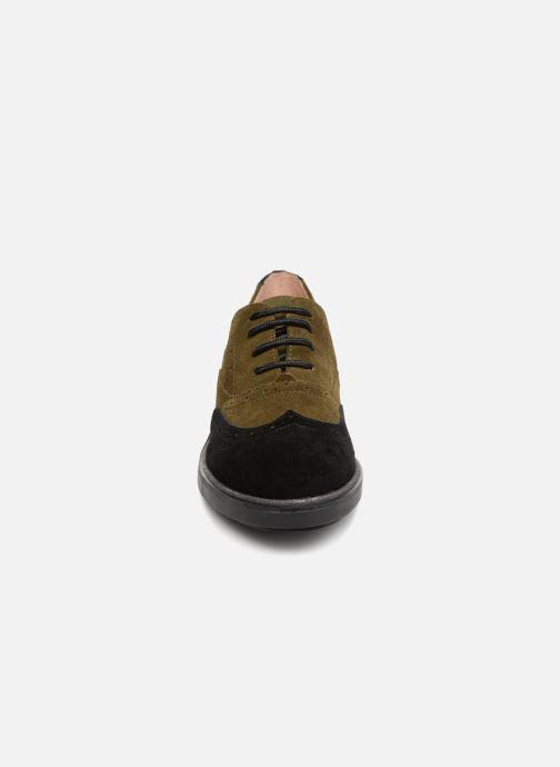 Zapatos con cordones Karston Onozo Negro vista del modelo