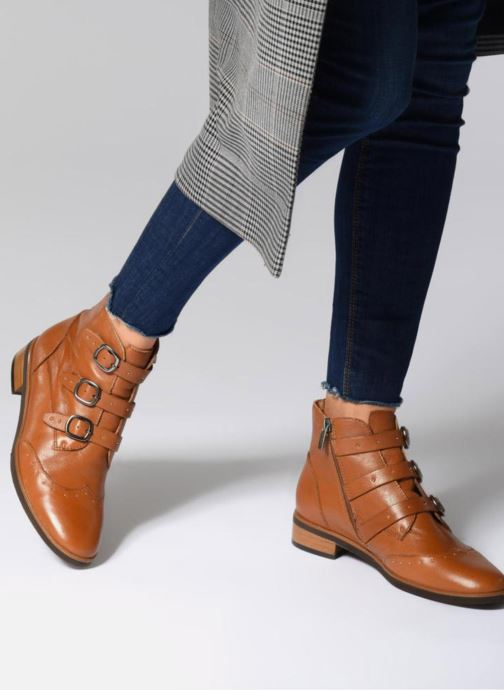 Ankle boots Karston Jiloto Brown view from underneath / model view