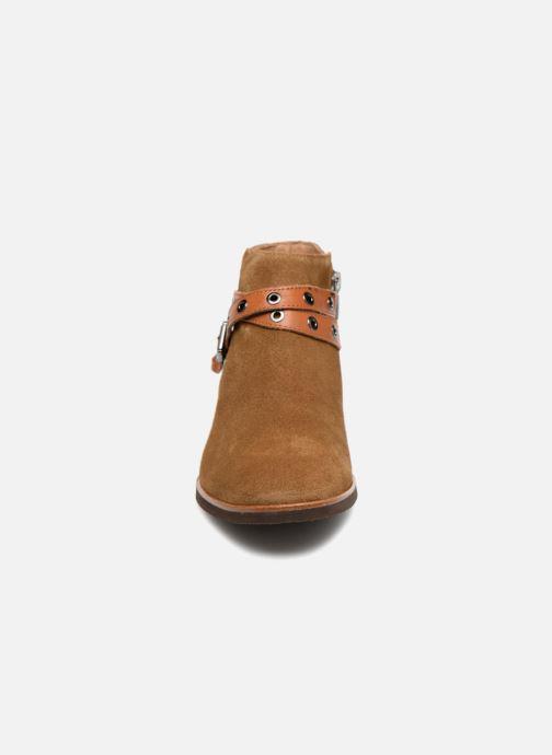Bottines et boots Karston Jiopo Marron vue portées chaussures