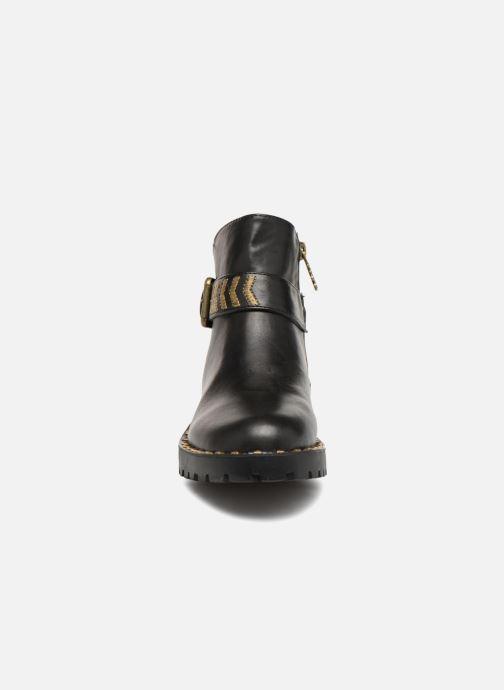 Bottines et boots Refresh 64707 Noir vue portées chaussures