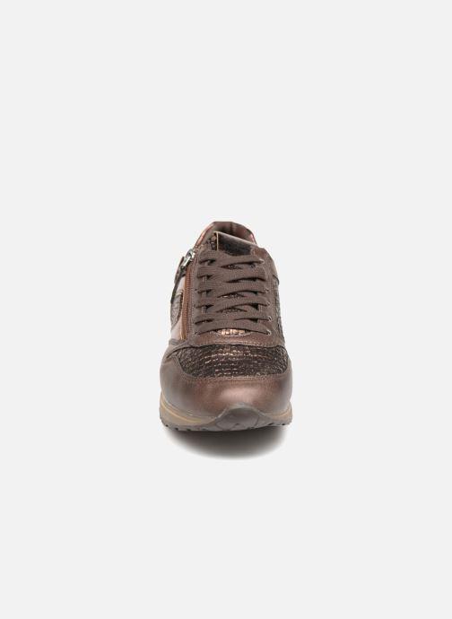 Baskets Refresh 64645 Or et bronze vue portées chaussures
