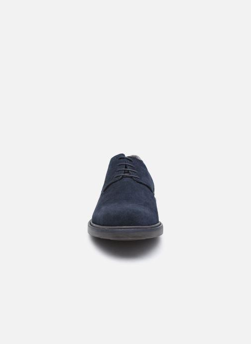 Zapatos con cordones Geox U SILMOR B U845SB Azul vista del modelo
