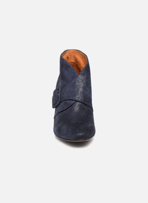 Bottines et boots Chie Mihara Elba Bleu vue portées chaussures