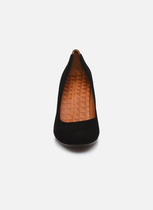 Zapatos de tacón Chie Mihara Key Negro vista del modelo