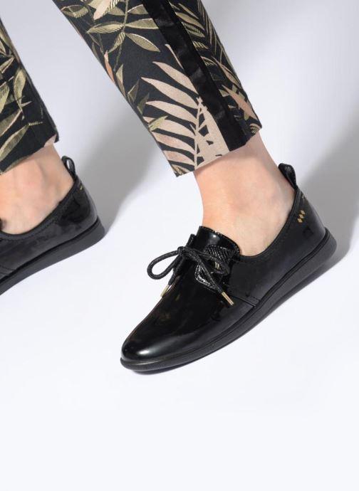Chaussures à lacets Armistice Stone One Patent Noir vue bas / vue portée sac