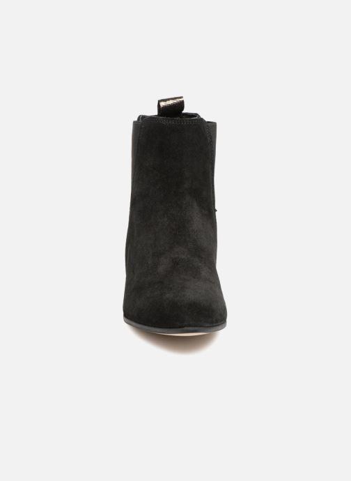 Stivaletti e tronchetti Schmoove Woman Peckham Boots Nero modello indossato