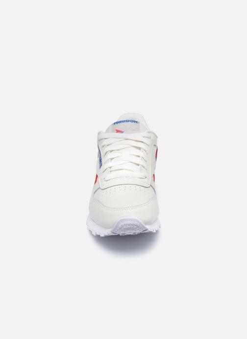 Baskets Reebok CL LTHR Beige vue portées chaussures