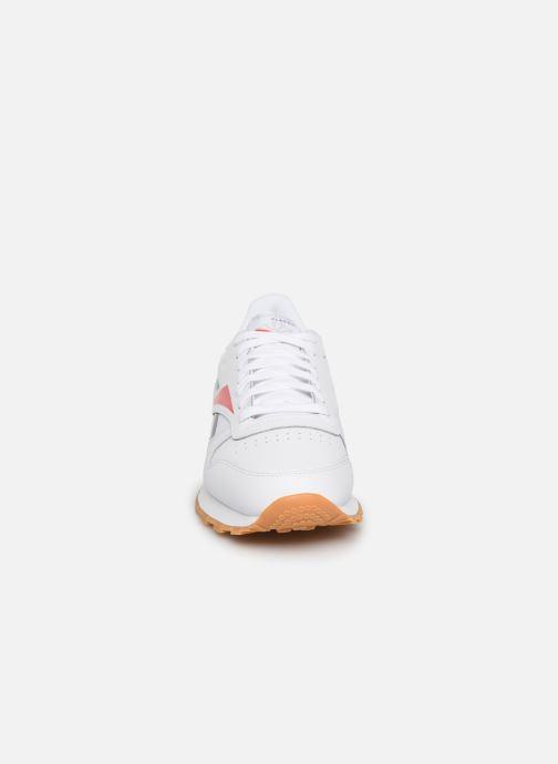 Baskets Reebok CL LEATHER MU Blanc vue portées chaussures