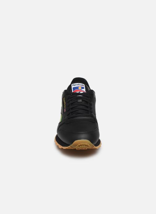 Baskets Reebok CL LEATHER MU Noir vue portées chaussures