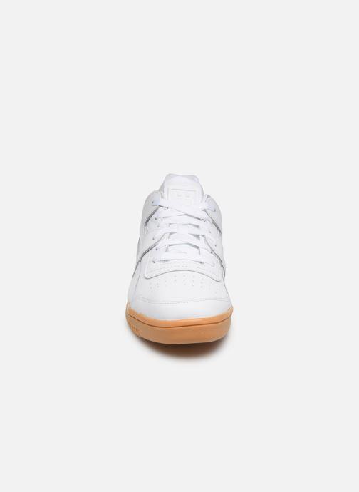 Sneaker Reebok WORKOUT LO PLUS weiß schuhe getragen