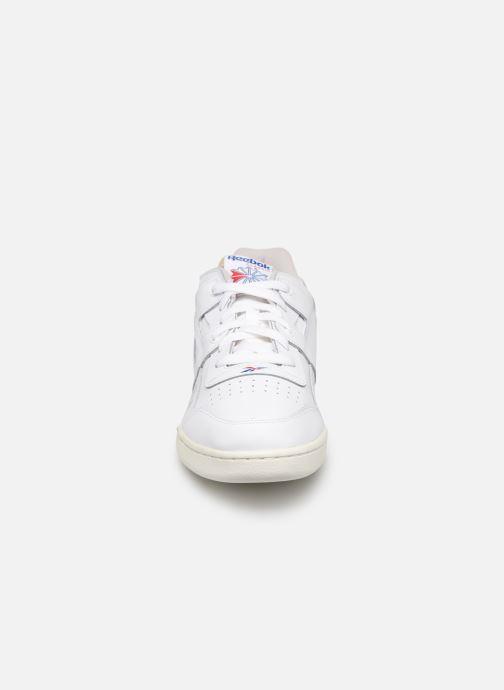Baskets Reebok Workout Plus Mu Blanc vue portées chaussures