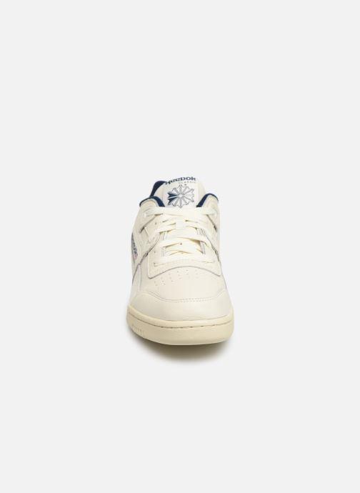 Sneaker Reebok Workout Plus Mu weiß schuhe getragen