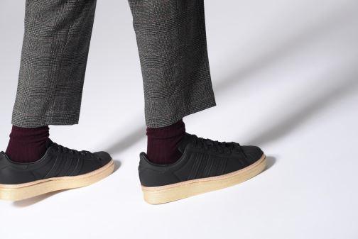 Baskets adidas originals Superstar 80s New Bold W Noir vue bas / vue portée sac