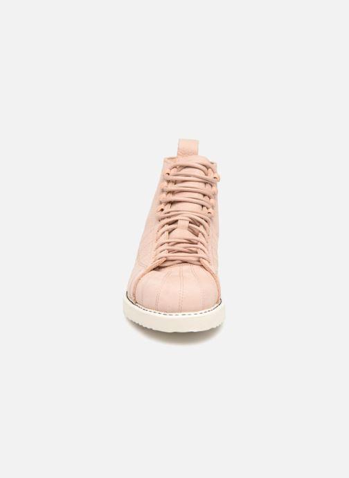 Baskets adidas originals Superstar Boot W Beige vue portées chaussures