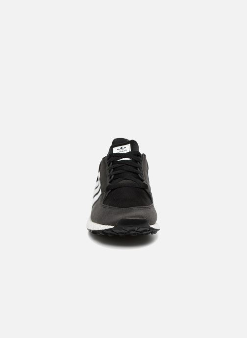 Baskets Adidas Originals FOREST GROVE J Noir vue portées chaussures
