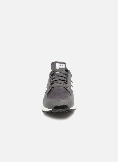 Trainers adidas originals FOREST GROVE J Grey model view