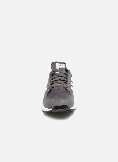 Trainers adidas originals FOREST GROVE J Grey model view