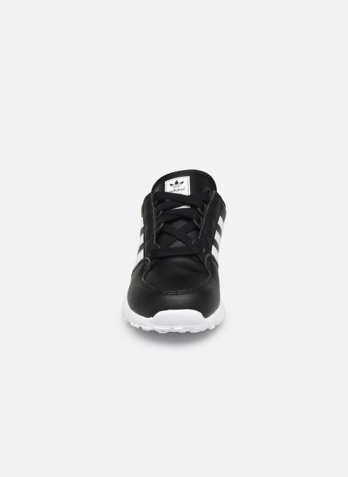 Baskets adidas originals FOREST GROVE C Noir vue portées chaussures