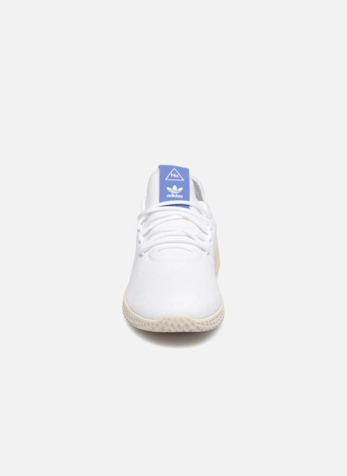 Baskets adidas originals PW TENNIS HU J 2 Blanc vue portées chaussures