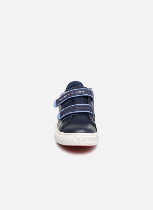 Baskets Tommy Hilfiger Tommy 30098 Bleu vue portées chaussures