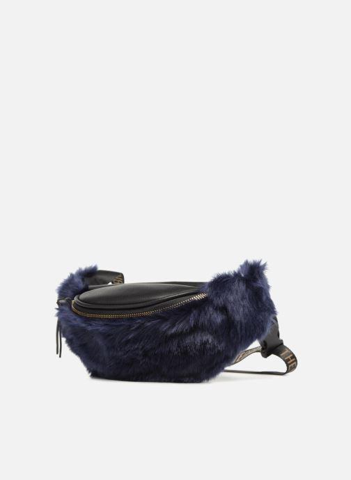 Pelletteria TheWhiteBrand Trina Azzurro modello indossato