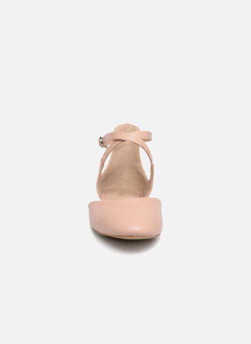 Ballerines Aldo FALORISA Beige vue portées chaussures