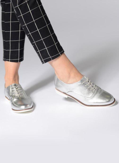 Chaussures à lacets Aldo MCALLISTER Argent vue bas / vue portée sac