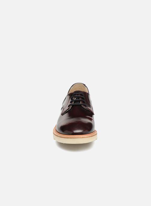 Chaussures à lacets Young Soles Reggie Bordeaux vue portées chaussures