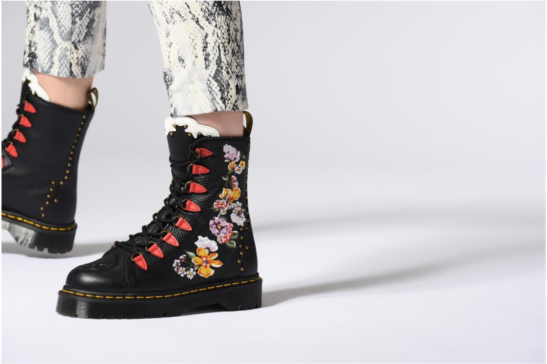 Bottines et boots Dr. Martens EE97 Noir vue bas / vue portée sac