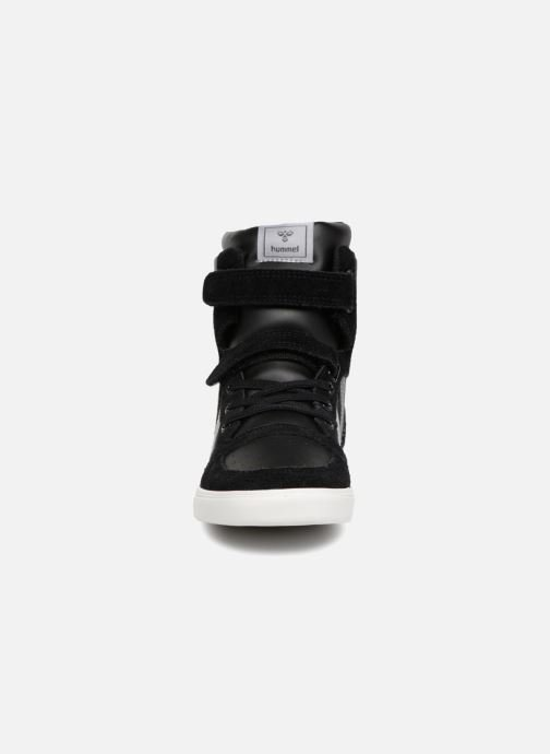 Sneakers Hummel Slimmer Stadil Jr Nero modello indossato