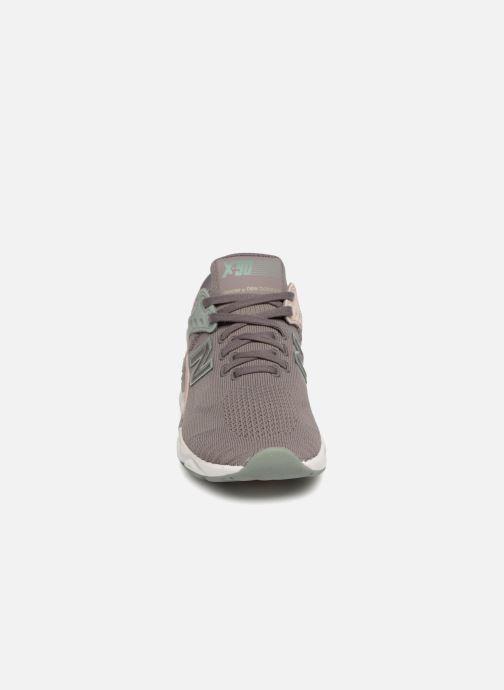 Baskets New Balance WSX90 Gris vue portées chaussures