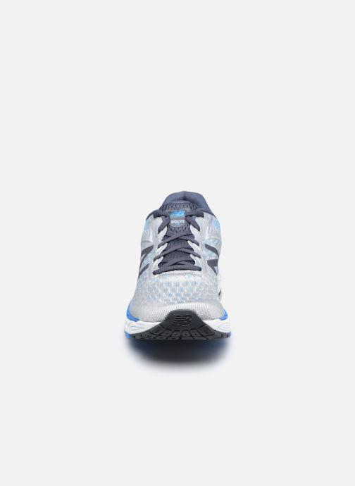 Scarpe sportive New Balance MSOLV Grigio modello indossato