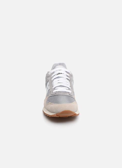 Baskets Saucony Shadow 5000 Vintage Gris vue portées chaussures