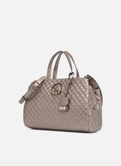 Handtaschen Guess Gioia Girlfriend Satchel silber schuhe getragen