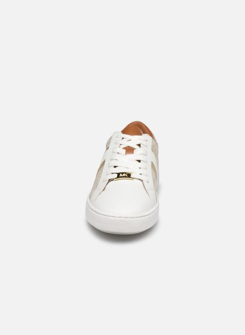 Sneakers Michael Michael Kors Keaton Stripe Sneaker Beige modello indossato