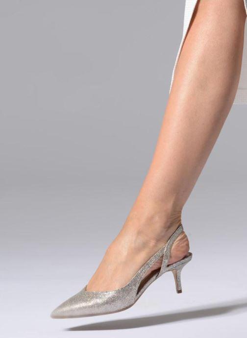 Zapatos de tacón Michael Michael Kors Eliza Flex Kitten Pump Oro y bronce vista de abajo