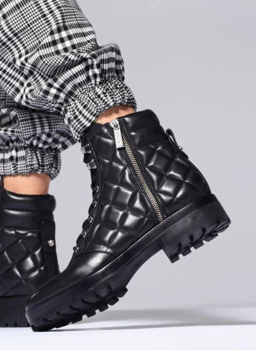 Stiefeletten & Boots Michael Michael Kors Rosario Ankle Boot schwarz ansicht von unten / tasche getragen