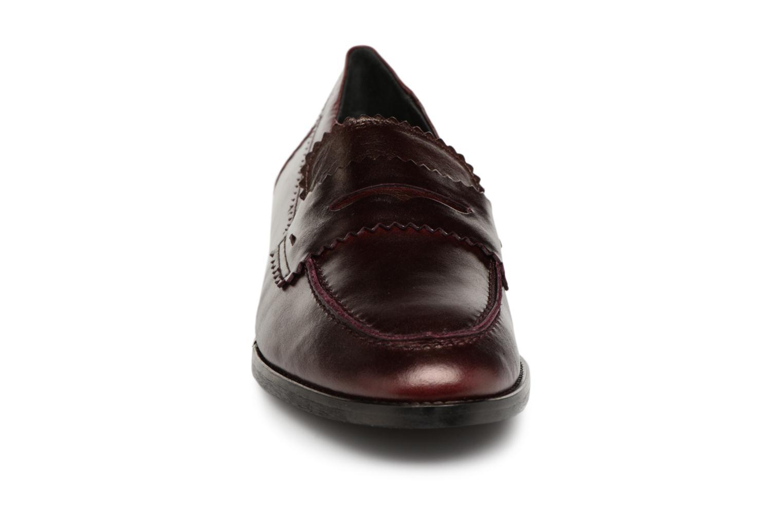 Loafers Georgia Rose Lacroquet Vinröd bild av skorna på