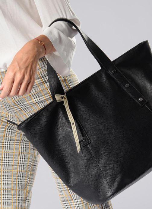 Handtaschen Esprit Fiona City Bag schwarz ansicht von unten / tasche getragen