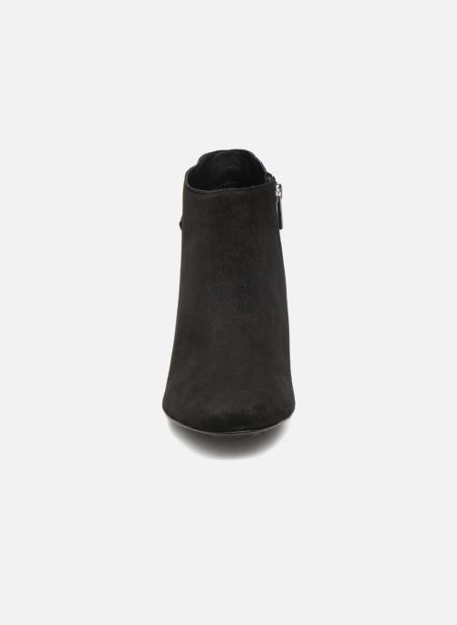Bottines et boots Tommy Hilfiger ELEVATED SUEDE HEELED BOOTIE Noir vue portées chaussures
